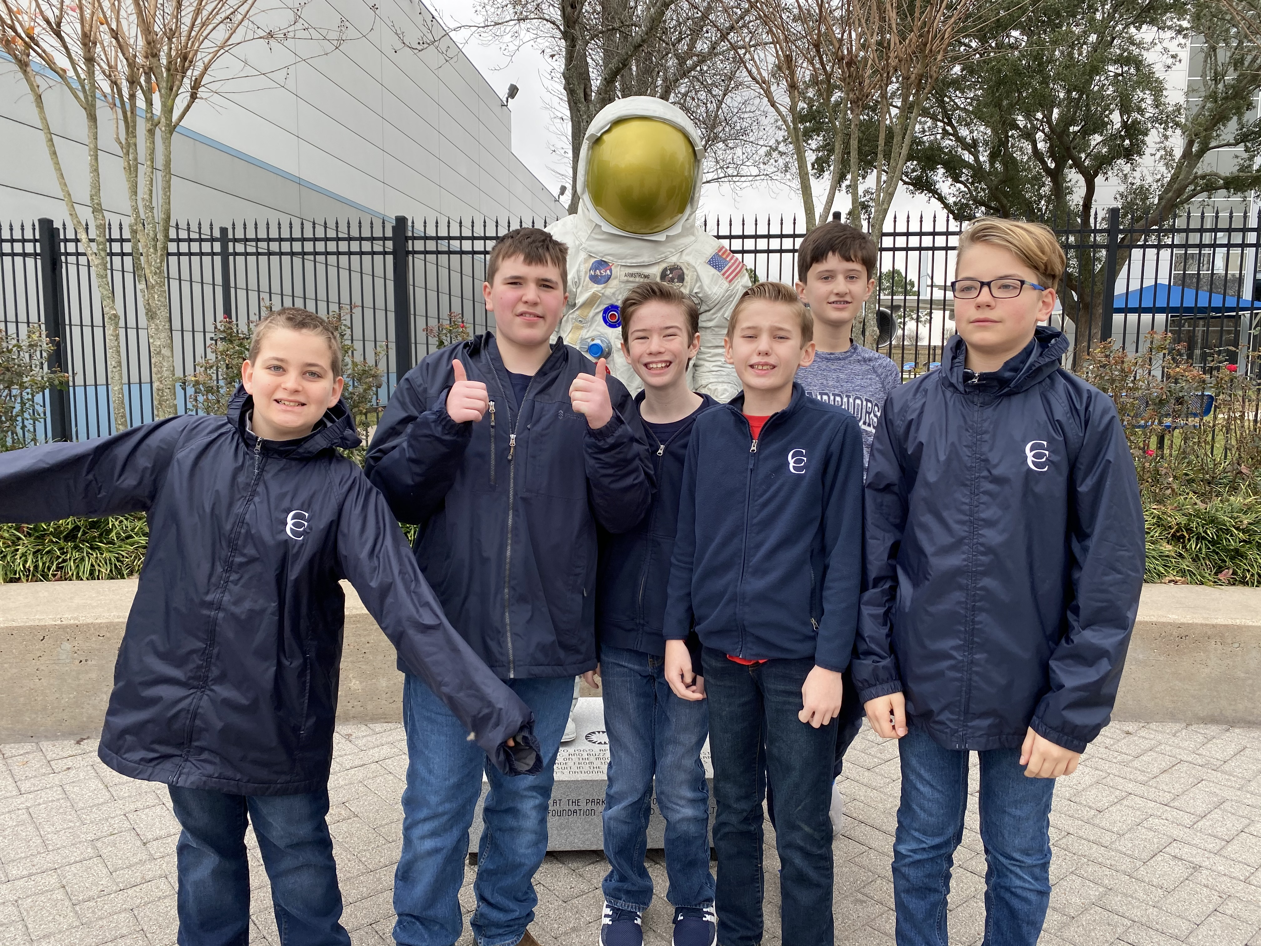 Sixth-Graders Visit Space Center Houston