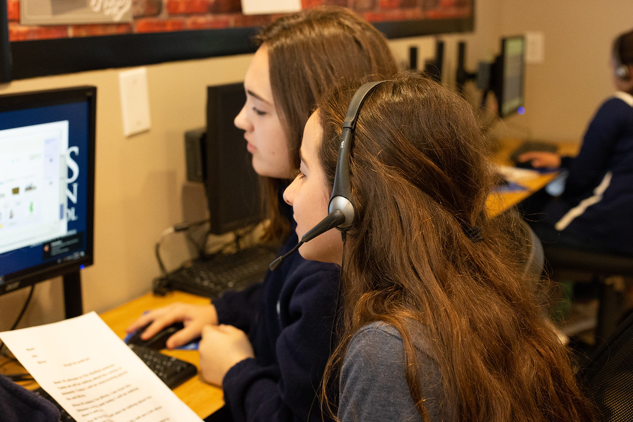 Eighth-Grade History Students Create Podcasts