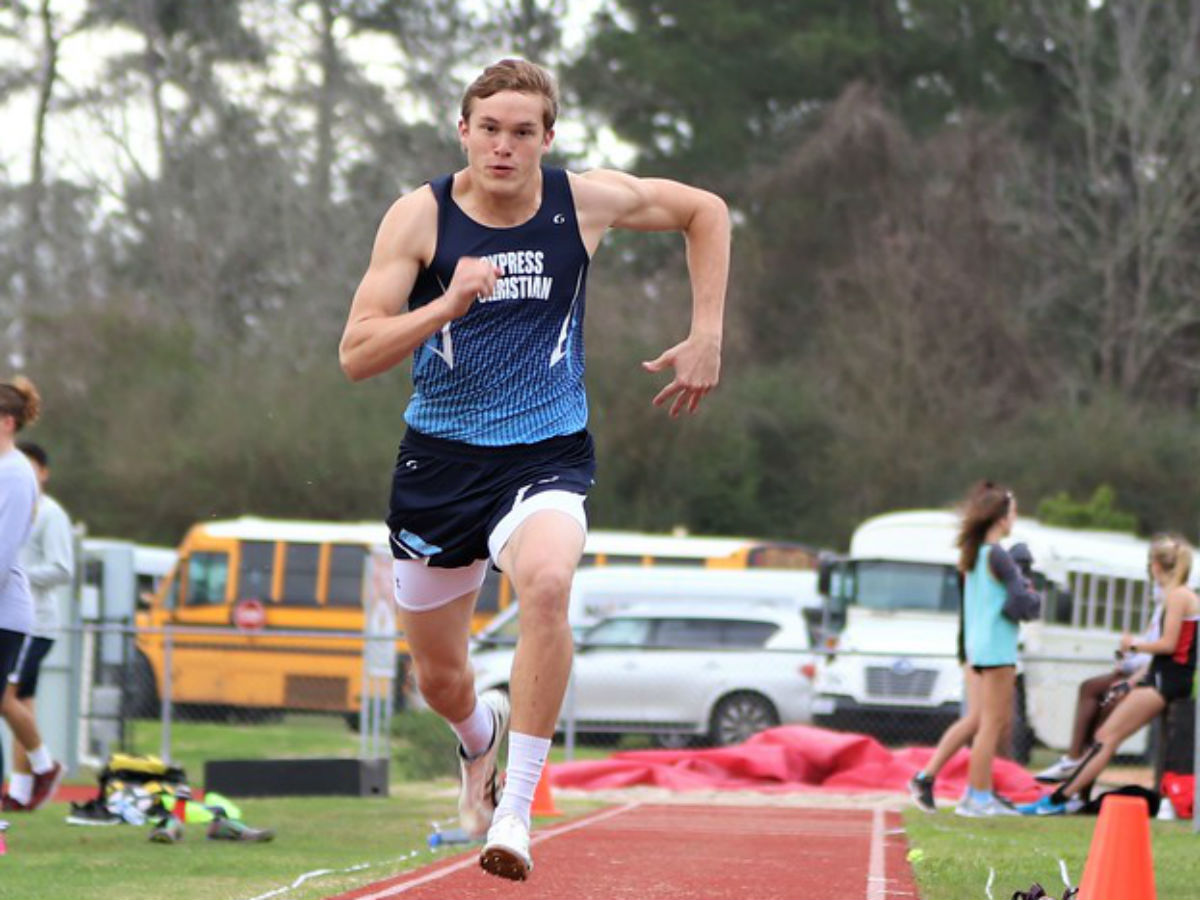 Boys & Girls Track & Field Teams Win Rosehill Meet
